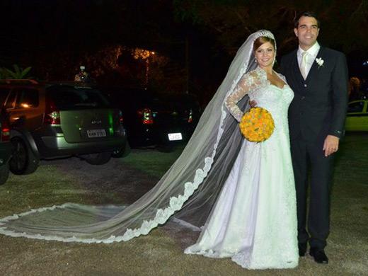 Atriz Bárbara Borges com vestido toda romântica.Fonte: Reprodução/BOL Fotos