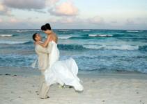 Casamento na Praia: Dicas Fundamentais para Não Errar na sua Cerimônia