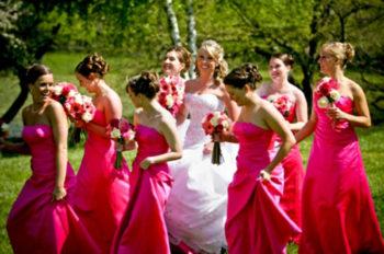 Vestidos de Madrinha de Casamento: Iguais ou Diferentes?