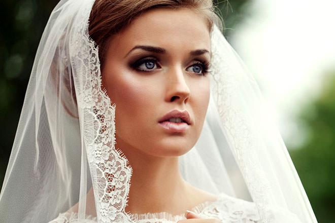 Maquiagem super meiga com um toque de luxo.Fonte da imagem: Reprodução/éllie make up