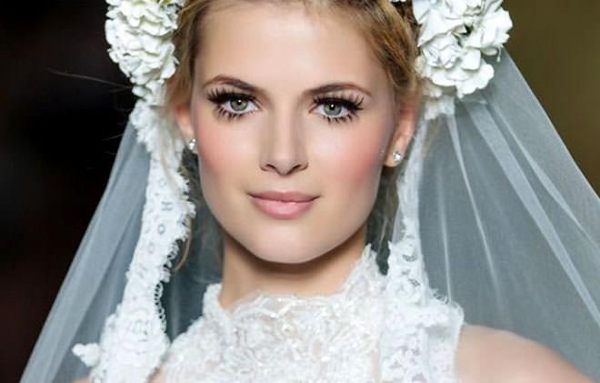 Maquiagem para noiva super discreta e delicada.Fonte da imagem: Reprodução/Sposalicious