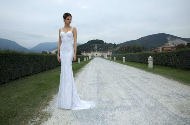 Vestido de noiva 2014 com pedraria maravilhosa.Fonte da imagem: Reprodução/Bridal Musings