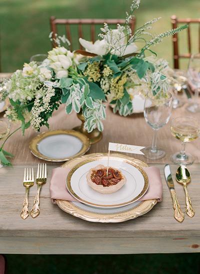 Como Organizar um Casamento: Talheres sempre impecáveis.Fonte da imagem: Reprodução/Southern WEDDINGS