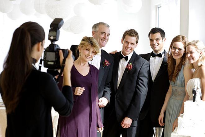 Como Organizar um Casamento: Muitas fotos são indispensáveis, então anote tudinho.Fonte da imagem: Reprodução/THE CLASSIC SIR