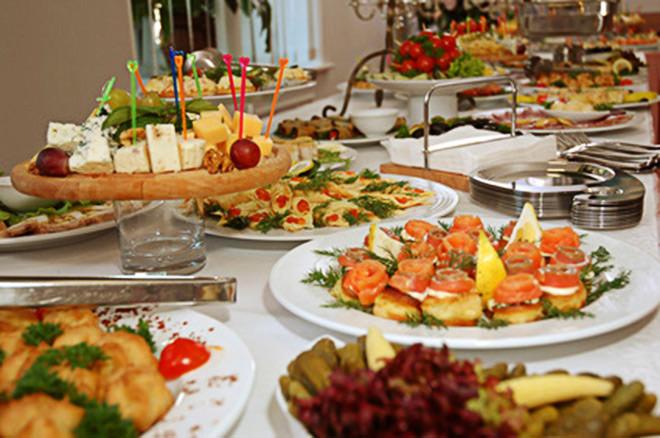 Todo mundo ama comida de casamento né?Fonte da imagem: Reprodução/Taj Weddings Services