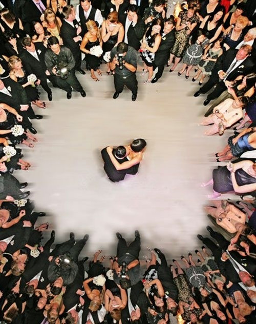 Nunca tinha pensando como seria bonita uma Foto de Casamento dessa.Fonte da imagem: Reprodução/BuzzFeed