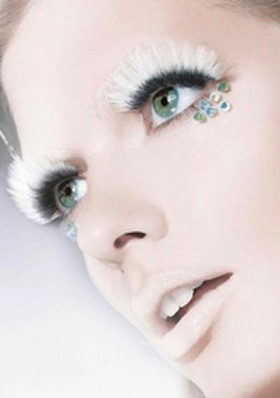 Maquiagem para Casamento: Cadê uma corzinha nisso gente? Rs.Fonte da imagem: Reprodução/KIMKARDASHIAN