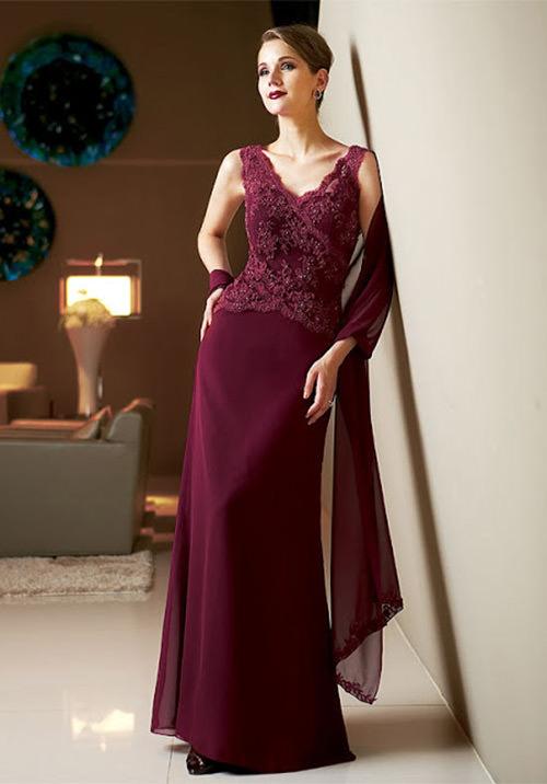 Vestidos para Mãe da Noiva: Essa cor arrasa total né meninas? Amei os detalhes.Fonte da imagem: Reprodução/updatefashion