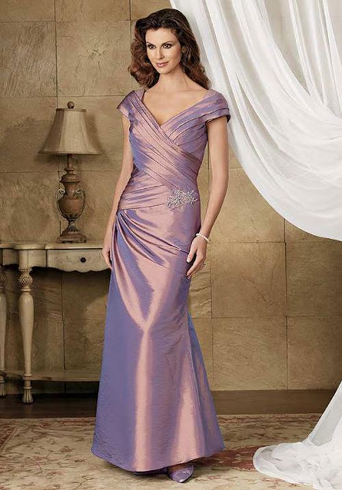 Vestidos para Mãe da Noiva: Esse roxinho furta-cor tá lindíssimo.Fonte da imagem: Reprodução/updatefashion