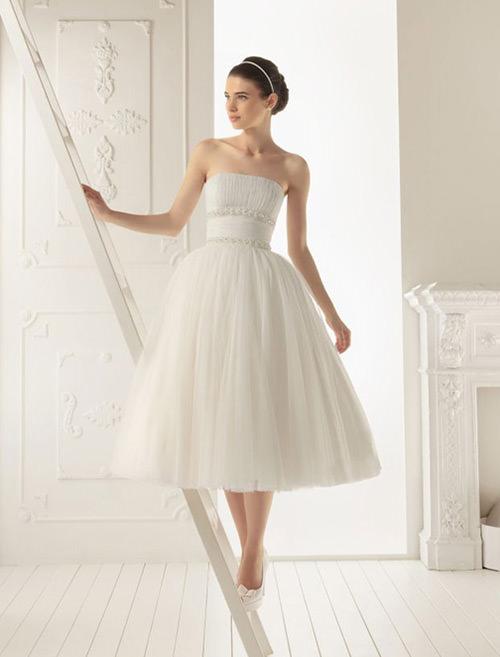Não parece um conto de fadas vestidos de noiva com saias fofas? *-*