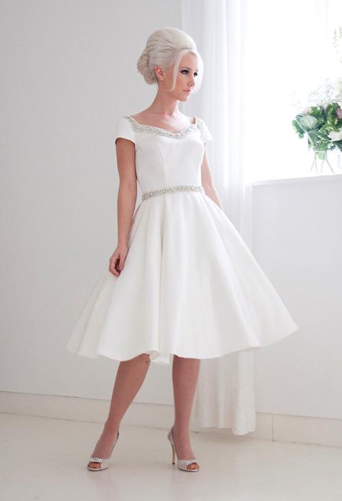 P-H-Y-N-O define essa lindeza de vestido de noiva