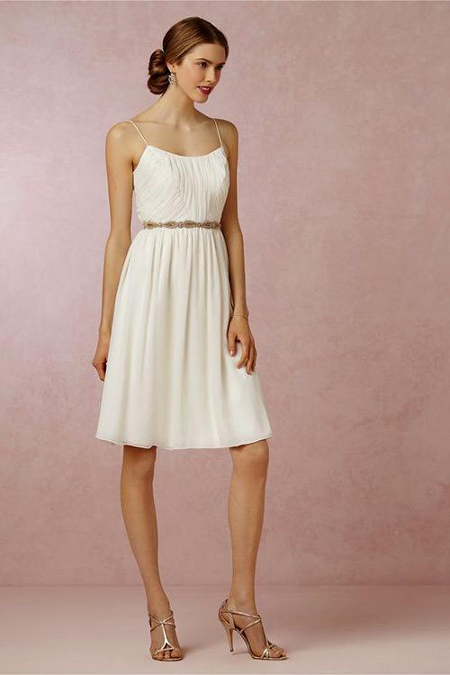 Adoro vestido de alça fininha, é tão difícil de encontrar né?