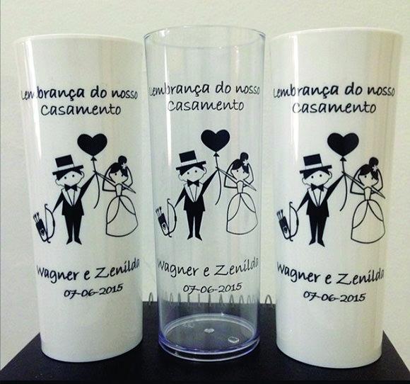 Os preços dos copos podem variar de R$ 1,30 a 2,50 cada, então faça bastante orçamento