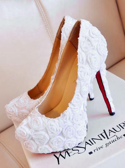 Já imaginou que lindo a sapatilha das suas daminhas assim? Ai que fofura