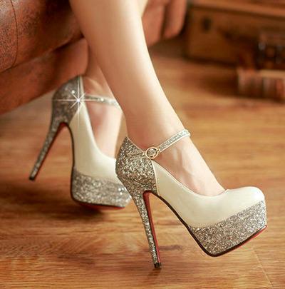 Com certeza você vai ficar uma noiva super sexy com esse sapato
