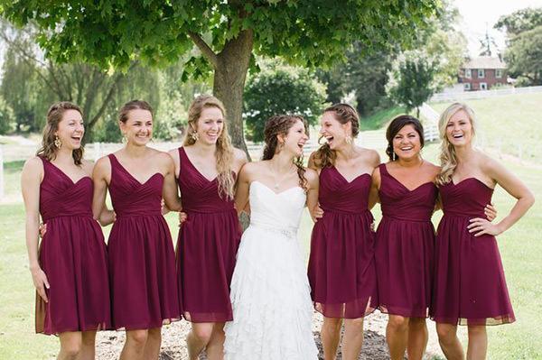 Se o casamento for no final da tarde, dá pra investir em algum acessório bem suave